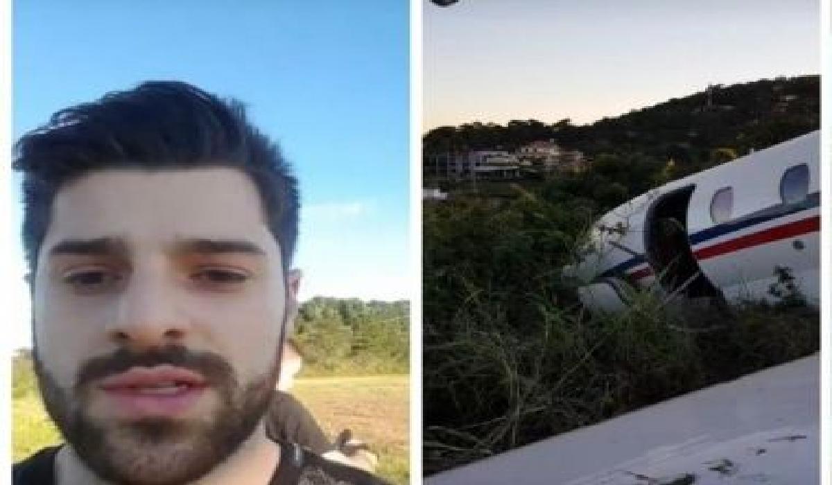 Em vídeo que circula nas redes sociais, é possível ver a aeronave fora da pista e uma nuvem de fumaça.
