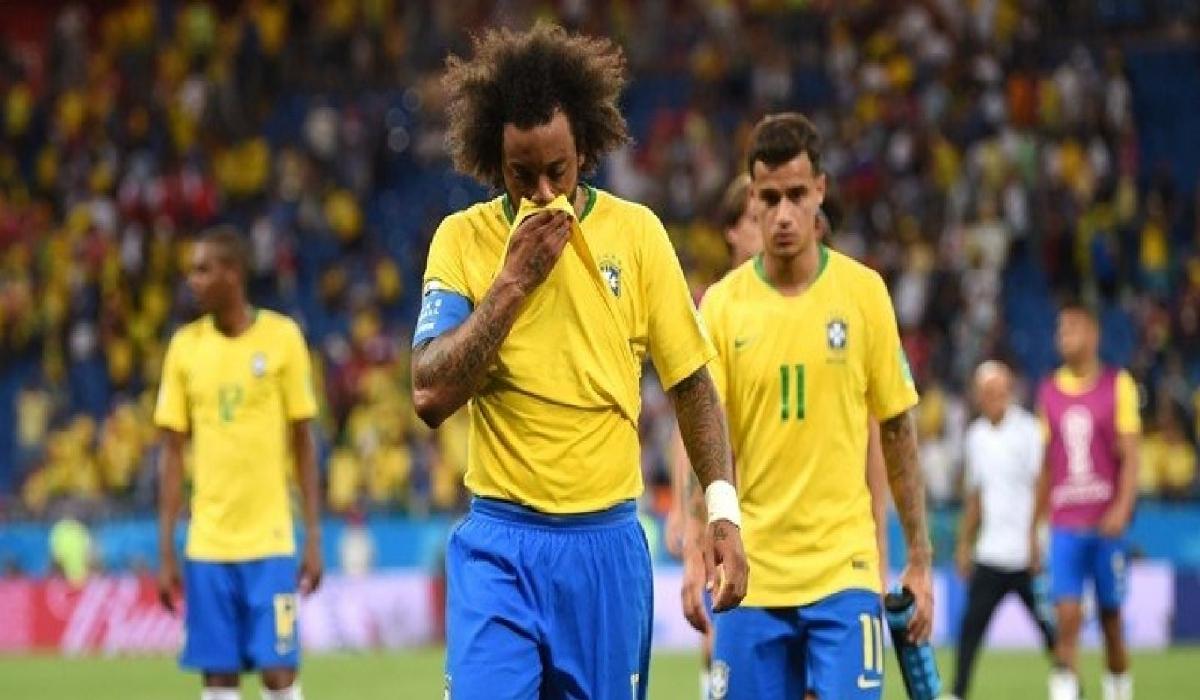 O camisa 12 reclamou do lance da falta que originou o gol do time adversário, quando o camisa 14 Zuber empurrou o zagueiro Miranda e cabeceou livre de marcação