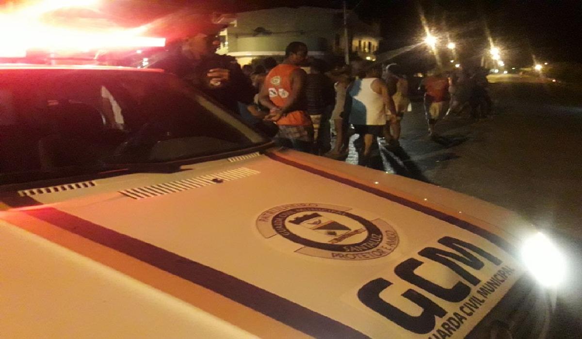 Guarnições da Guarda Civil Municipal e da Polícia Militar estiveram no local.