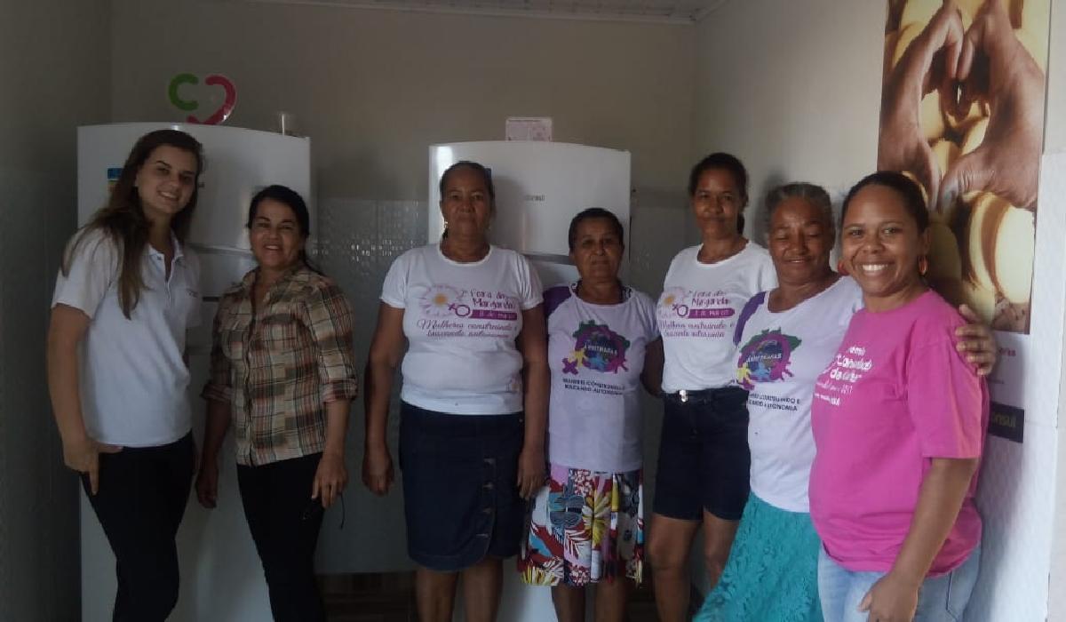 Visita de representantes do Instituto Consulado da Mulher, ação social da marca Consul.