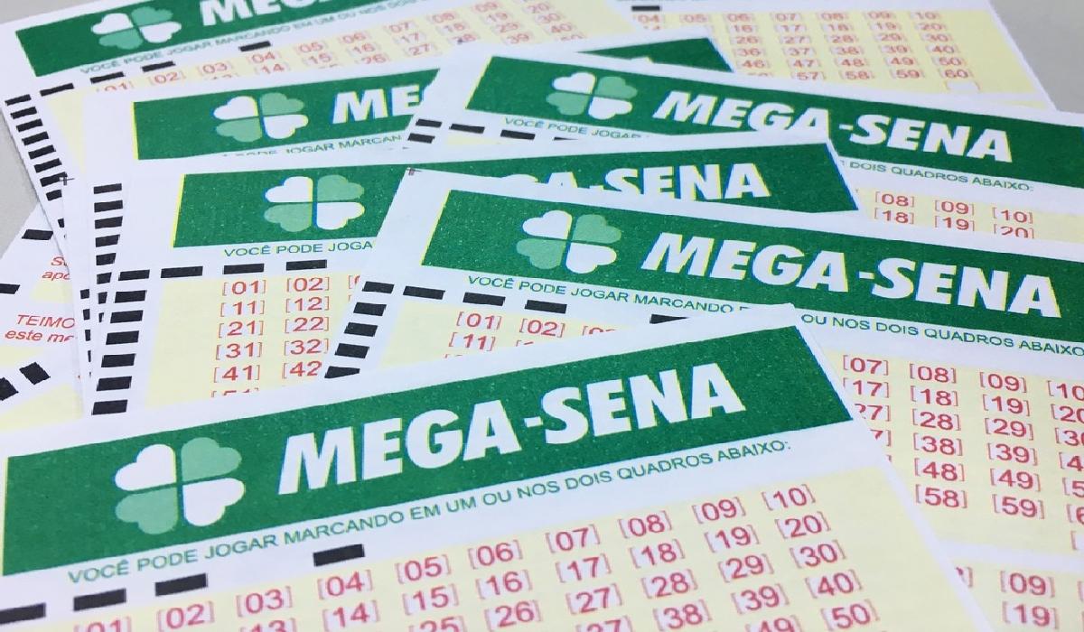 Mega-Sena pode pagar R$ 24 milhões neste sábado (11)