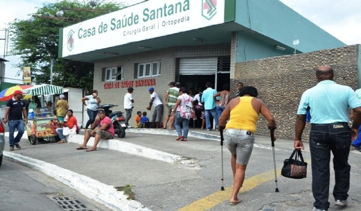 Segundo a denúncia, do promotor de Justiça Tiago Quadros, o médico trabalhava como ortopedista conveniado do SUS na Casa de Saúde Santana (CSS), em Feira de Santana.