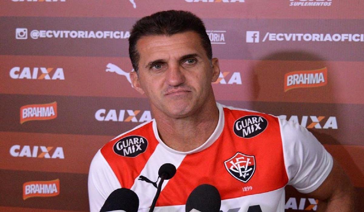 O próximo compromisso do Rubro-negro baiano é diante da Chapecoense, quinta-feira (16), às 19h.