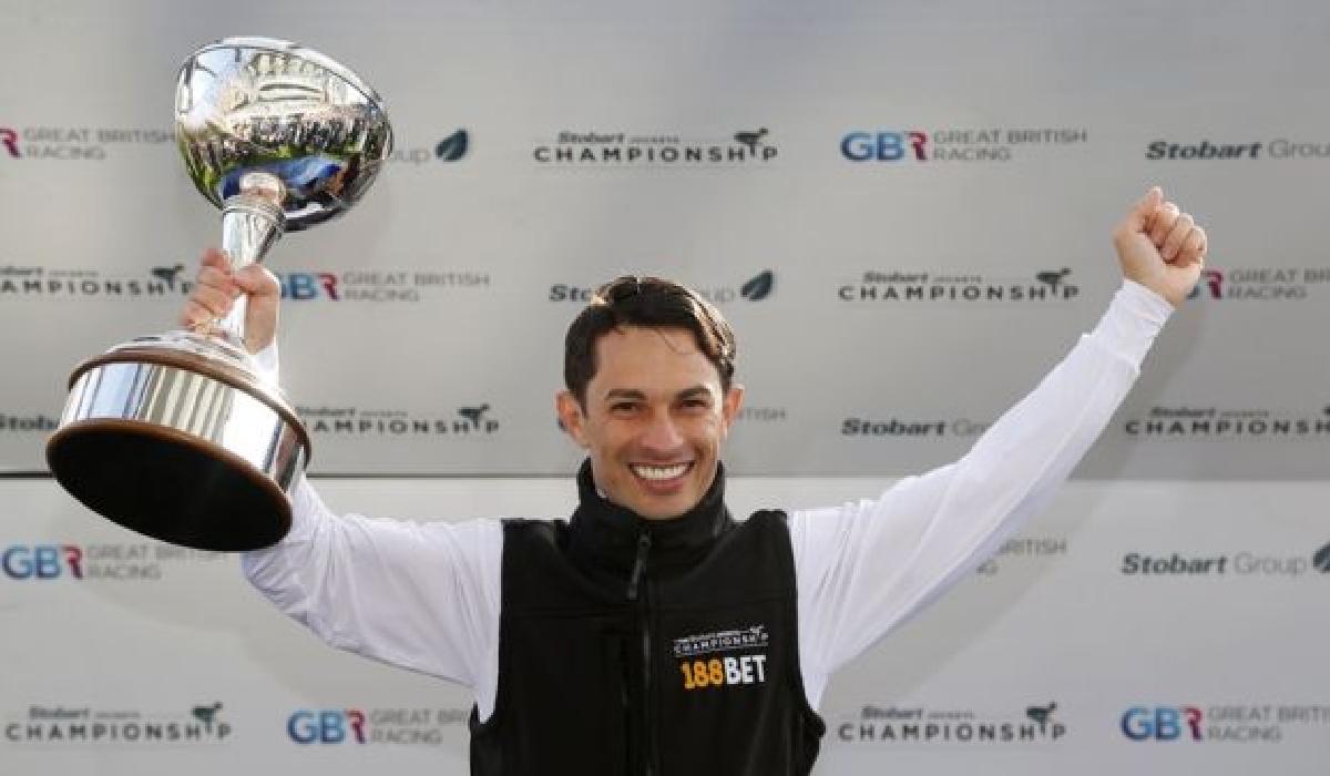 O maranhense Silvestre de Sousa conquistou recentemente seu segundo título de Champion Joquey do Reino Unido, dado ao jóquei com maior número de vitórias no ano