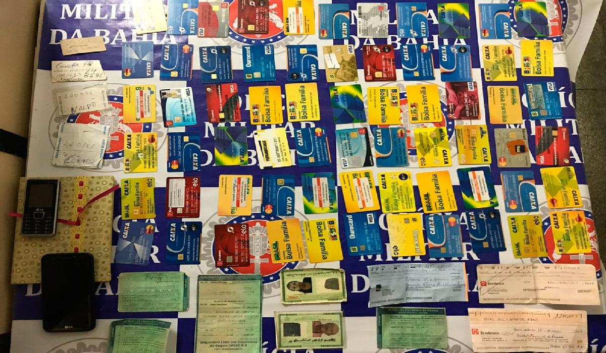 Homem foi preso com 65 cartões de vítimas de agiotagem