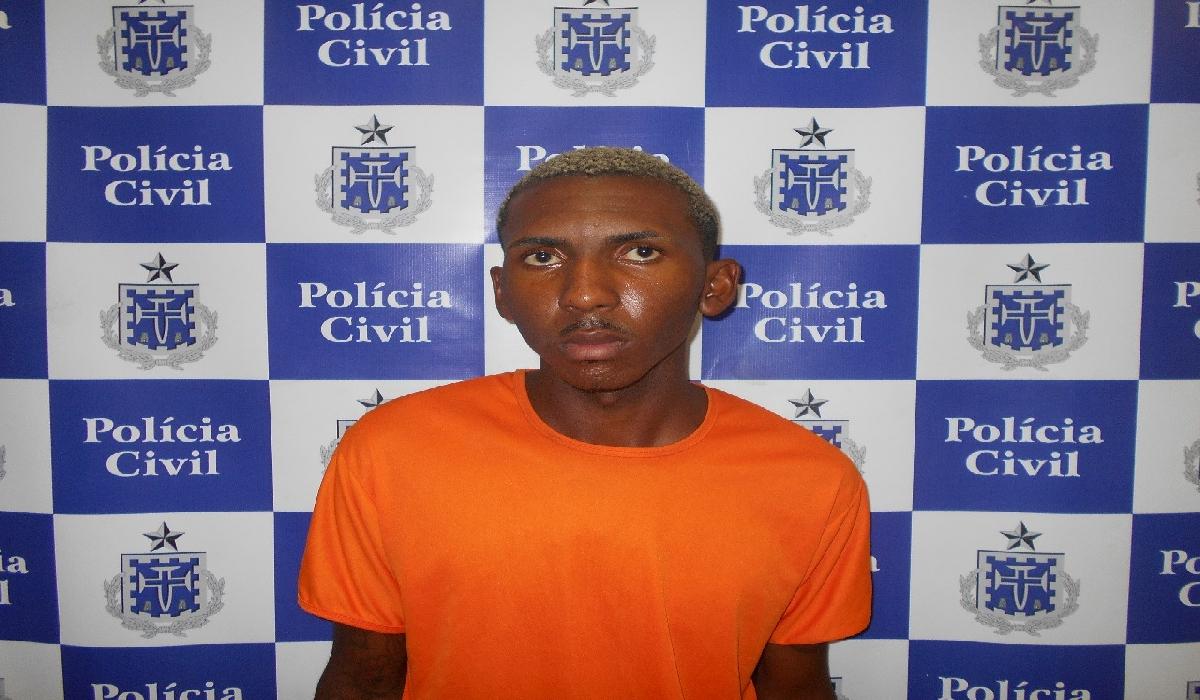 Yuri Carlson Santana Santos, o 'ET' ou 'Cabeça de Repolho.