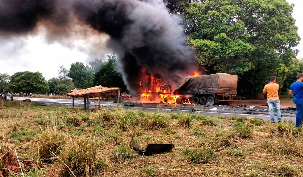 Acidente interditou trecho da BR-242 em Barreiras