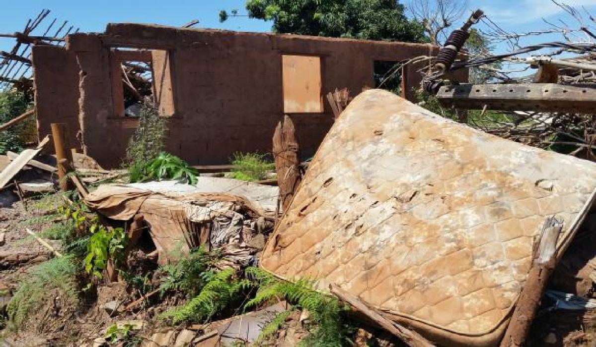 Moradores perderam suas casas com o rompimento da barragem do Fundão