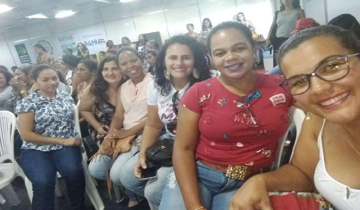 Representantes da Rede de Produtoras da Bahia e da Associação do Movimento de Mulheres de Santaluz
