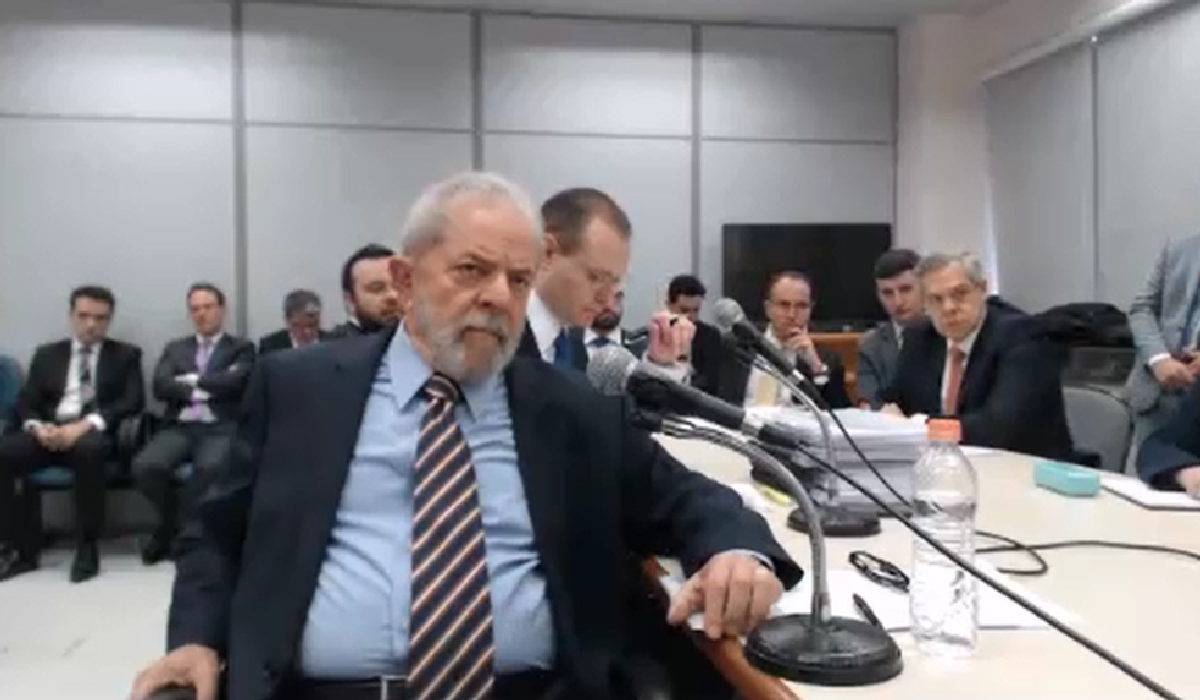 ula presta depoimento a Sérgio Moro em Curitiba
