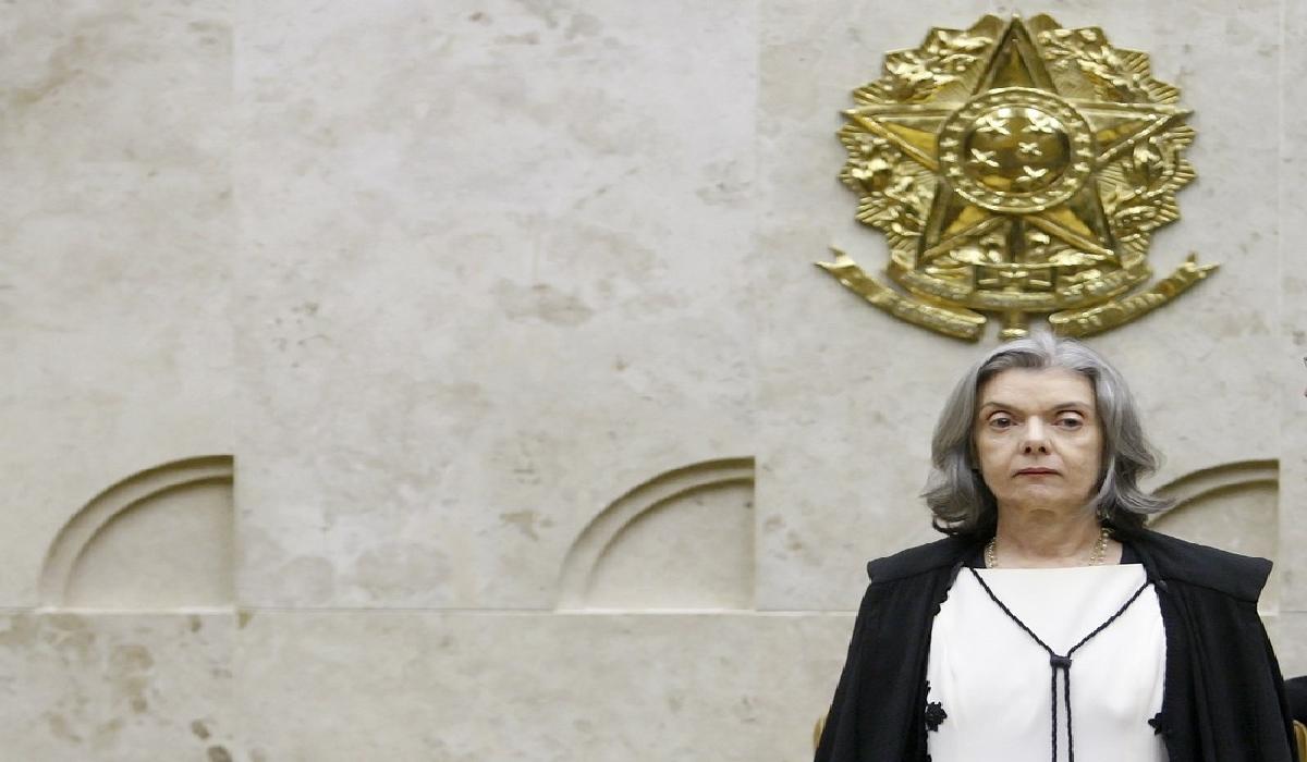 A presidente do STF, ministra Cármen Lúcia, durante sessão do tribunal em abril deste ano