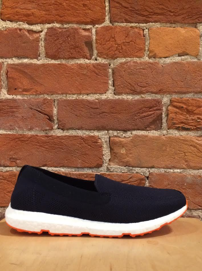 SWIMS - BREEZE LEAP KNIT IN NAVY/ORANGE