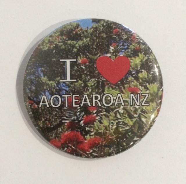Badge Buttons I Love Aotearoa NZ Pohutukawa