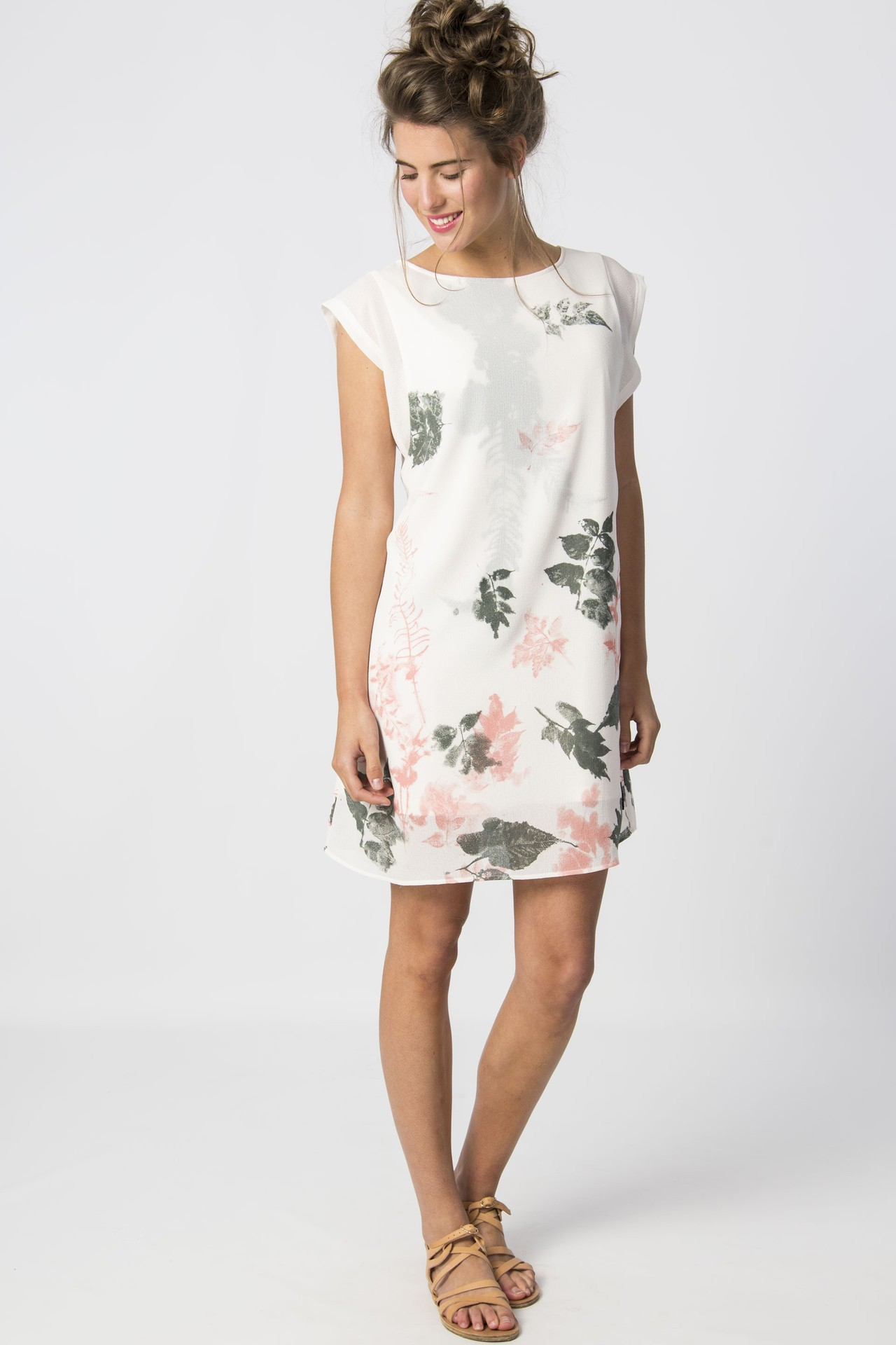 87537601dcb3 Saane Floral Shift Dress