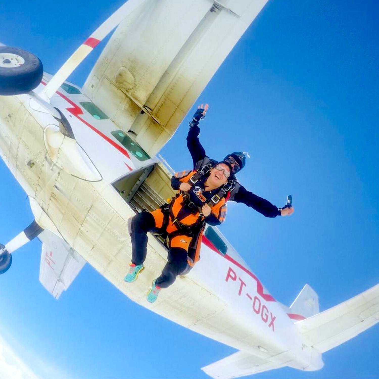 Salto de Paraquedas em Resende-RJ com Fotos e Vídeo