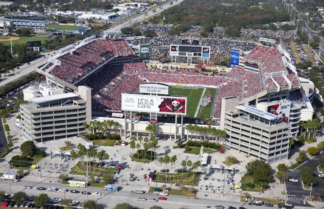 Tampa Bay Buccaneers Brings Aramark to Raymond James Stadium