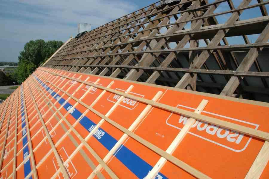 Dakplaten een waterdicht stevig en energiezuinig dak geeft