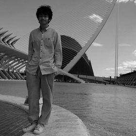 Lee  Xiaolong
