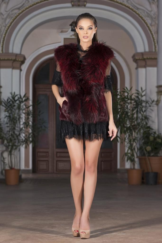 Milano fashion week red fox fur margot