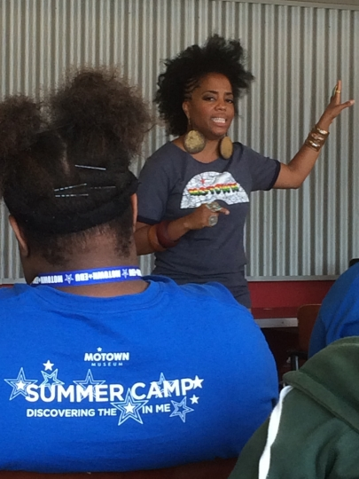 "Rhonda Ross Kendrick, daughter of Motown Records founder Berry Gordy and singing icon Diana Ross, speaks to students in Detroit during the annual ""Motown EDU"" summer camp, Thursday, Aug. 11, 2016, in Detroit. Ross Kendrick told the students she's felt pressure to ""replicate"" her parents' success, but the singer says ""I'm doing me"" and encouraged them to follow suit. (AP Photo/Jeff Karoub)"