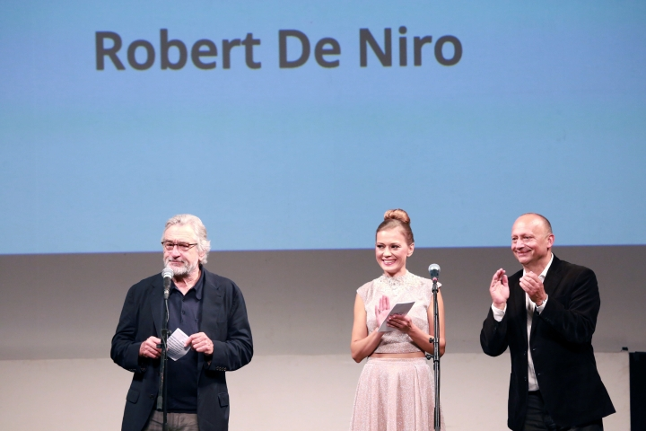 """US actor Robert De Niro delivers a speech after receiving an award, at the Sarajevo Film Festival in Sarajevo, Bosnia, Friday, Aug. 12, 2016. Robert De Niro opened the 22nd Sarajevo Film Festival on Friday, presented Martin Scorsese's restored """"Taxi Driver"""" and received the festival's first lifetime achievement award """"The Heart of Sarajevo. (AP Photo)"""