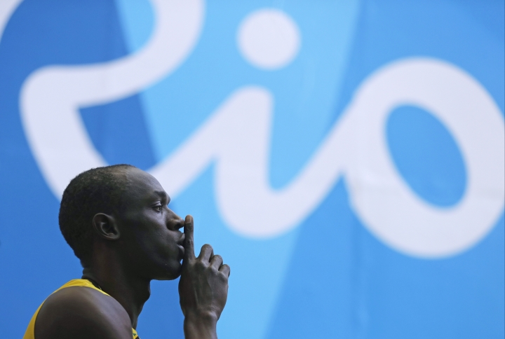 Jamaica's Usain Bolt arrives in the stadium to compete in a men's 100-meter heat during the athletics competitions of the 2016 Summer Olympics at the Olympic stadium in Rio de Janeiro, Brazil, Saturday, Aug. 13, 2016. (AP Photo/Jae C. Hong)