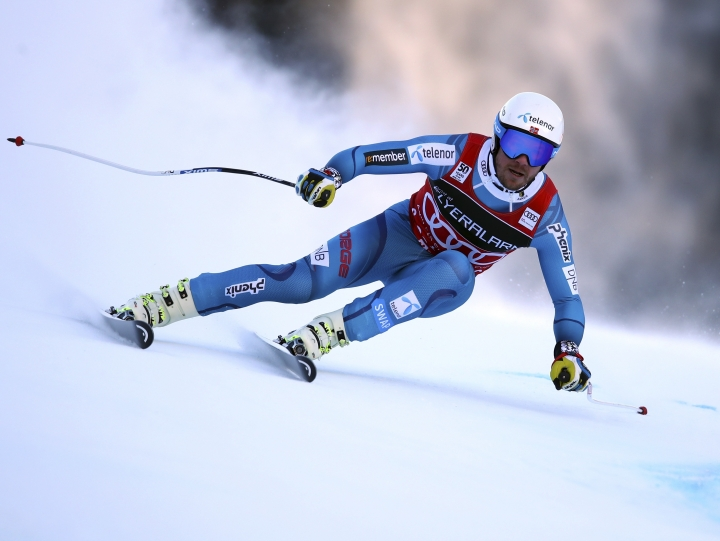 Norway's Kjetil Jansrud speeds down the course during an alpine ski, mens' World Cup Super G, in Santa Caterina, Italy, Tuesday, Dec. 27, 2016. (AP Photo/Alessandro Trovati)