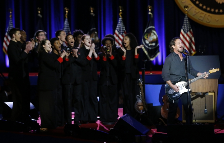 Singer Eddie Vedder performs before President Barack Obama gives his presidential farewell address at McCormick Place in Chicago, Tuesday, Jan. 10, 2017. (AP Photo/Charles Rex Arbogast)