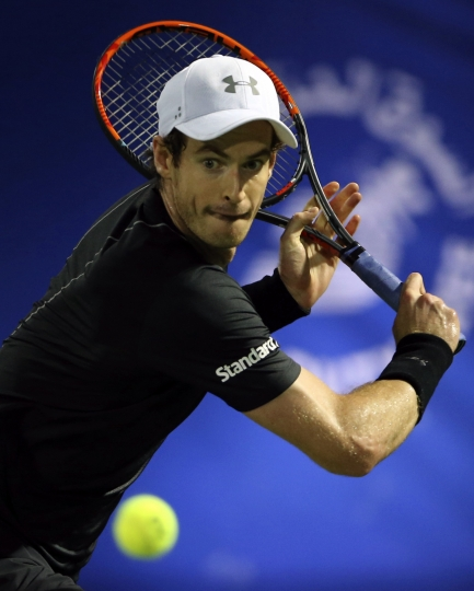 Andy Murray of Great Britain returns the ball to Philipp Kohlschreiber of Germany during a quarter final match of the Dubai Tennis Championships, in Dubai, United Arab Emirates, Thursday, March 2, 2017. (AP Photo/Kamran Jebreili)