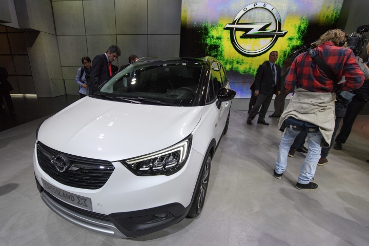 The New Opel Crossland X is presented during the press day at the 87th Geneva International Motor Show in Geneva, Switzerland, Tuesday, March 07, 2017. The Motor Show will open its gates to the public from March 9 to 19. (Martial Trezzini/Keystone via AP)