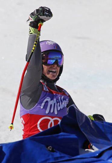 France's Tessa Worley celebrates after the second run of a women's World Cup giant slalom ski race Sunday, March 19, 2017, in Aspen, Colo. (AP Photo/Nathan Bilow)
