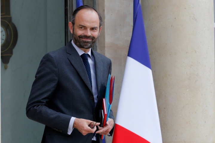 French Prime Minister Edouard Philippe leaves the Elysee Palace after a defence meeting in Paris, France, May 18, 2017. REUTERS/Philippe Wojazer
