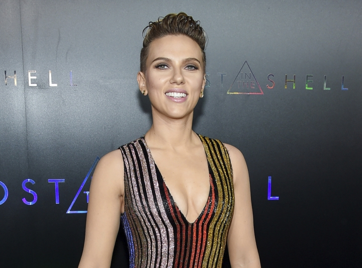 """FILE - In this March 29, 2017 file photo, actress Scarlett Johansson attends the premiere of """"Ghost in the Shell"""" in New York. Johansson will serve as a presenter at this year's Tony Awards on June 11. (Photo by Evan Agostini/Invision/AP, File)"""