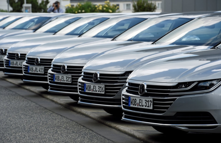 Arteon cars by German carmaker Volkswagen are pictured during a media presentation in Hanover, Germany, May 31, 2017.  REUTERS/Fabian Bimmer