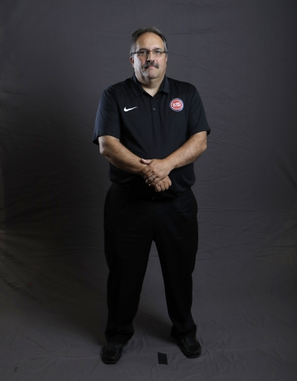 Detroit Pistons coach Stan Van Gundy poses during the NBA basketball team's media day, Monday, Sept. 25, 2017, in Auburn Hills, Mich. (AP Photo/Carlos Osorio)
