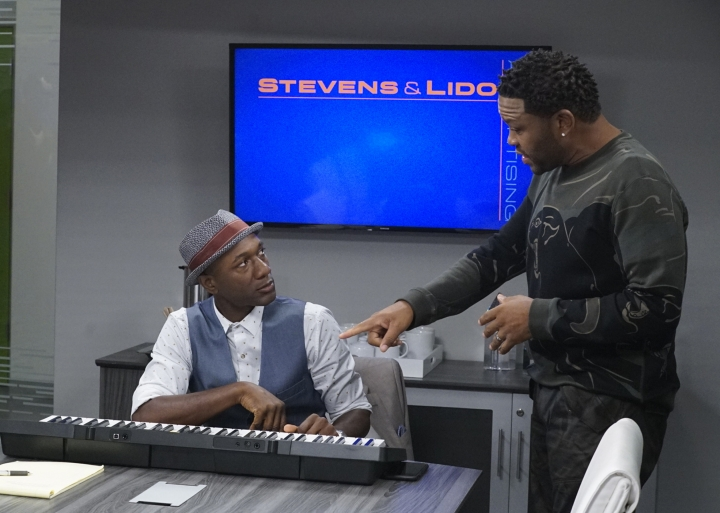 """In this image released by ABC, musician Aloe Blacc, left, and Anthony Anderson appear in the """"Juneteenth"""" episode of """"black-ish,"""" premiering Tuesday, Oct. 3. (Kelsey McNeal/ABC via AP)"""