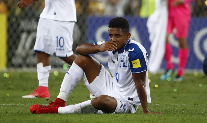 Honduras' Antony Lozano reacts after losing against Australia during their World Cup soccer playoff deciding match in Sydney, Australia, Wednesday, Nov. 15, 2017. (AP Photo/Daniel Munoz)