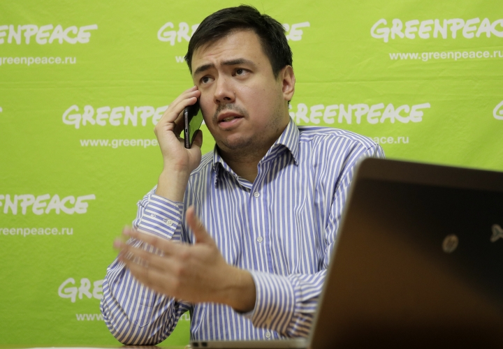 "Rashid Alimov, a senior nuclear campaigner for Greenpeace in Russia speaks to the Media in his office in St.Petersburg, Russia, Tuesday, Nov. 21, 2017. Environmental pressure group Greenpeace said in a statement on Tuesday that it would petition the Russian Prosecutor General's office to investigate ""a possible concealment of a radiation accident"" and check whether public health was sufficiently protected, while the Russian Meteorological Service said Tuesday that it recorded ""extremely high contamination"" in the southern Urals. (AP Photo/Dmitri Lovetsky)"