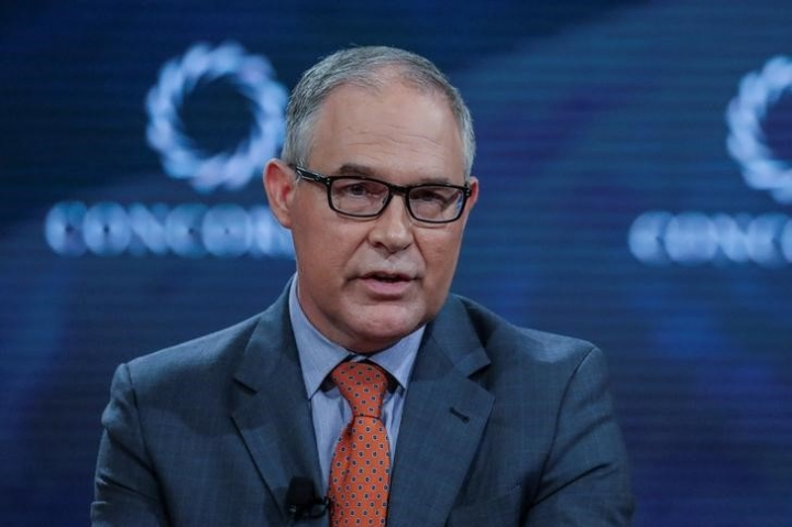 FILE PHOTO: Scott Pruitt, Administrator of the U.S. Environmental Protection Agency, answers a question during the Concordia Summit in Manhattan, New York, U.S., September 19, 2017. REUTERS/Jeenah Moon