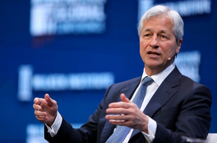 FILE PHOTO - Jamie Dimon, Chairman and CEO of JPMorgan Chase & Co. speaks during the Milken Institute Global Conference in Beverly Hills, California, U.S. on May 1, 2017. REUTERS/Mike Blake/File Photo