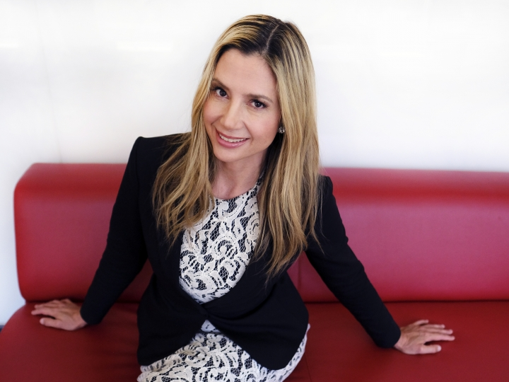 "FILE - In this July 27, 2016 file photo, actress Mira Sorvino poses for a photo in Los Angeles. orvino says she hopes the Me Too movement keeps its focus on sexual harassment and doesn't turn into a general women's rights movement. Sorvino spoke before television critics on Thursday, a day after she penned a public apology to Dylan Farrow. In a letter published on HuffPost, Sorvino says she was sorry for ""turning a blind eye"" to the accusations Woody Allen's daughter made against him. The former ""Mighty Aphrodite"" actress vowed never to work with Allen again. (AP Photo/Richard Vogel, File)"