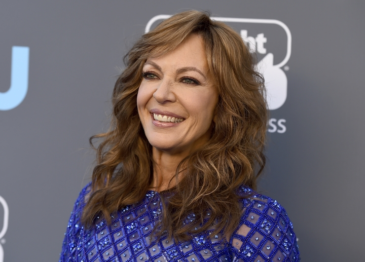 Allison Janney arrives at the 23rd annual Critics' Choice Awards at the Barker Hangar on Thursday, Jan. 11, 2018, in Santa Monica, Calif. (Photo by Jordan Strauss/Invision/AP)