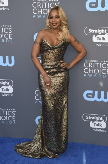 Mary J. Blige arrives at the 23rd annual Critics' Choice Awards at the Barker Hangar on Thursday, Jan. 11, 2018, in Santa Monica, Calif. (Photo by Jordan Strauss/Invision/AP)