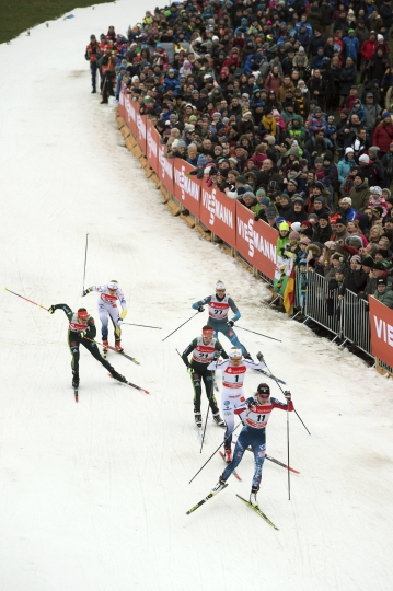 From front to back : Sophie Caldwell from the U.S, Sweden's Hanna Falk, Germany's Hanna Kolb, Germany's Victoria Carl, France's Aurore Jean and Sweden's Jonna Sundung compete in the women's freestyle quarterfinals at the Cross Country Skiing World Cup in Dresden, Germany, Saturday, Jan. 13, 2018. (Sebastian Kahnert/dpa via AP)
