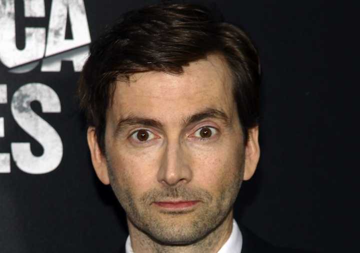 "FILE - In this Tuesday, Nov. 17, 2015 file photo, David Tennant attends the Netflix original series premiere of Marvel's ""Jessica Jones"" at the Regal E-Walk, in New York. Former ""Doctor Who"" star David Tennant has accepted an apology and damages from Rupert Murdoch's newspaper company over phone hacking by a now-defunct tabloid, it was reported on Tuesday, Jan. 30, 2018. (Photo by Andy Kropa/Invision/AP, File )"