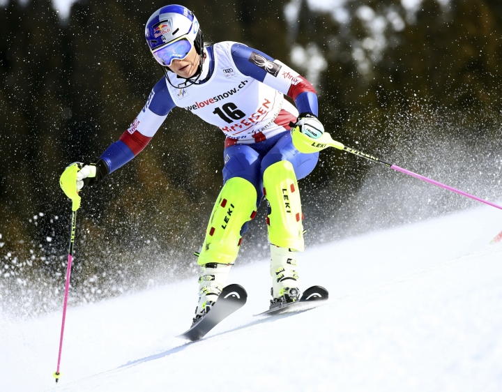 United States' Lindsey Vonn speeds down the course during the slalom portion of alpine ski, women's World Cup combined race, in Lenzerheide, Switzerland, Friday, Jan. 26, 2018. (AP Photo/Alessandro Trovati)