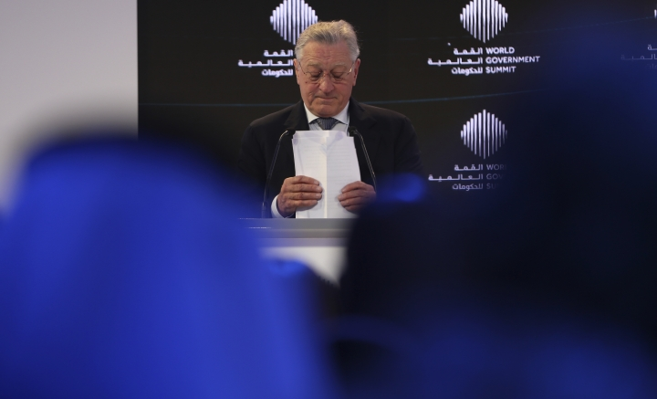 """American Hollywood star Robert De Niro, prepares for his speech during the World Government Summit in Dubai, United Arab Emirates, Sunday, Feb. 11, 2018. De Niro took aim at the Trump administration's stance on climate change, telling a packed audience that he was visiting from a """"backward"""" country suffering from """"temporary insanity."""" (AP Photo/Kamran Jebreili)"""