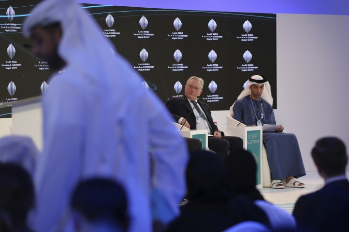 """American Hollywood star Robert De Niro listens to one of the panel speakers next to Dr. Thani Ahmed Al Zeyoudi the UAE Minister of Climate Change and Environment during the World Government Summit in Dubai, United Arab Emirates, Sunday, Feb. 11, 2018. De Niro took aim at the Trump administration's stance on climate change, telling a packed audience that he was visiting from a """"backward"""" country suffering from """"temporary insanity."""" (AP Photo/Kamran Jebreili)"""