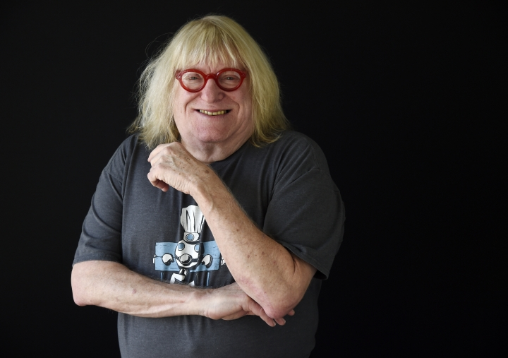 """In this Feb. 6, 2018 photo, comedy writer Bruce Vilanch poses for a portrait in Los Angeles. Vilanch has made nearly two-dozen Oscar ceremonies funny and memorable. Vilanch isn't working on the Oscars airing ABC this year. Instead, he'll be watching comfortably at home. He was the subject of the 1999 documentary """"Get Bruce!"""" about his life and work. (Photo by Chris Pizzello/Invision/AP, File)"""