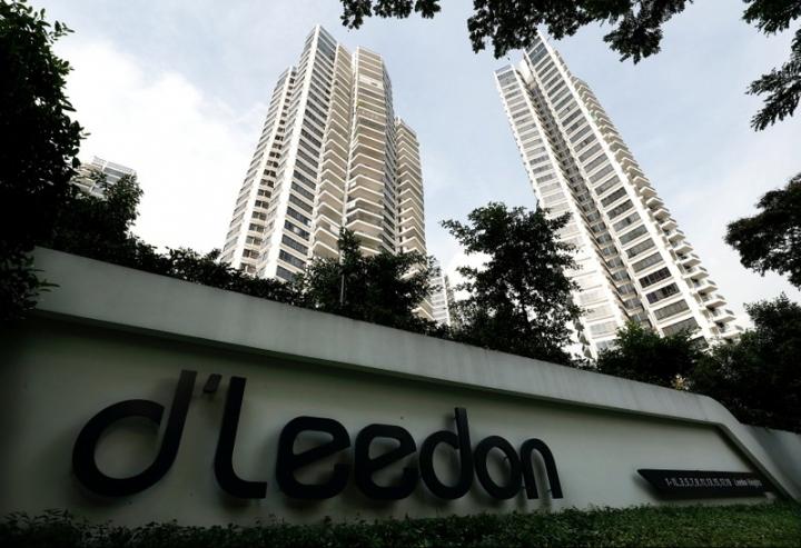 FILE PHOTO: A general view of d'Leedon condominium in Singapore December 6, 2017.  REUTERS/Edgar Su/File Photo